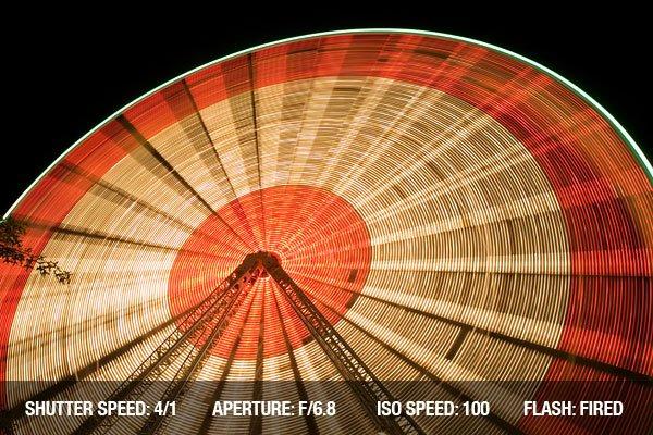 Long exposure photo of the Ferris wheel